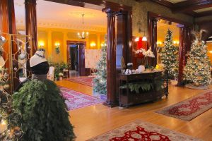 Image of Victorian manor decorated for Christmas